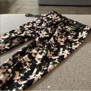 Energie brand patterned leggings in size medium